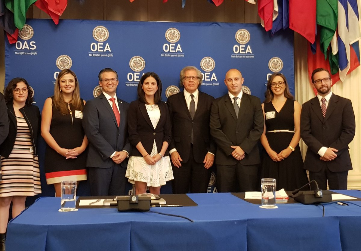 Young Latinamerican leaders meet with SG Almagro at OAS Headquarters