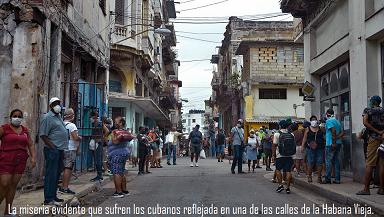 La miseria de los cubanos reflejada en una de las calles de la Habana Viena